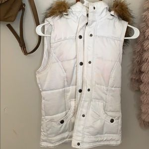 Buckle fur vest
